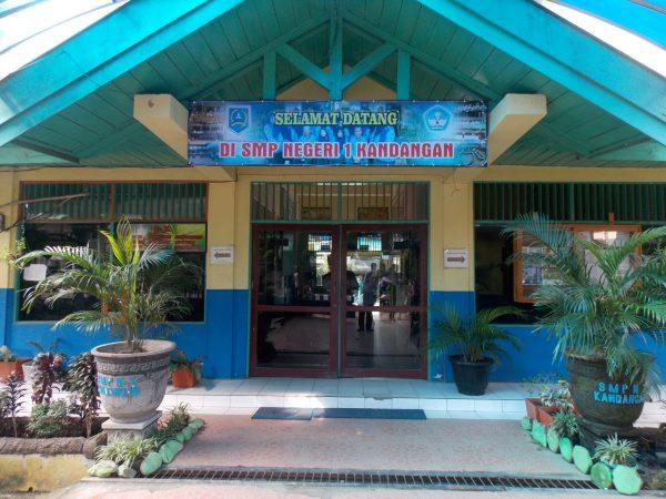 Siswi SMPN 1 Kandangan Juara 2 Lomba Karya Tulis Sanitasi Tingkat Provinsi Kalimantan Selatan 2016